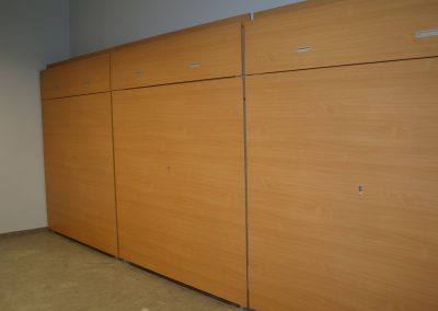 Csukott lenyitható lelátó faltól-falig (4)