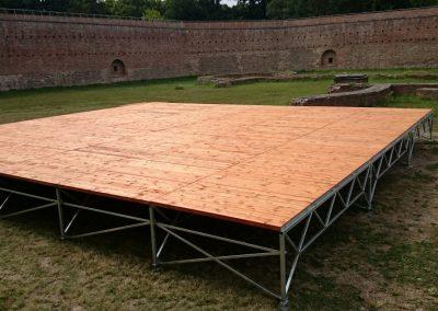 Mobil színpad acél tartószerkezettel (1)